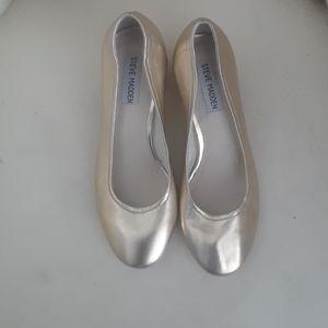 NEW gold Steve Madden shoes
